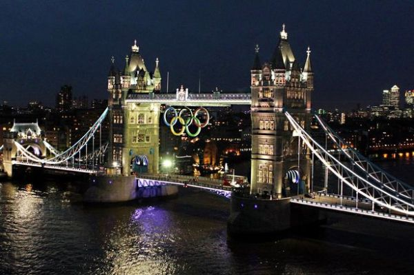 The Olympic rings lit up on the Tower Bridge